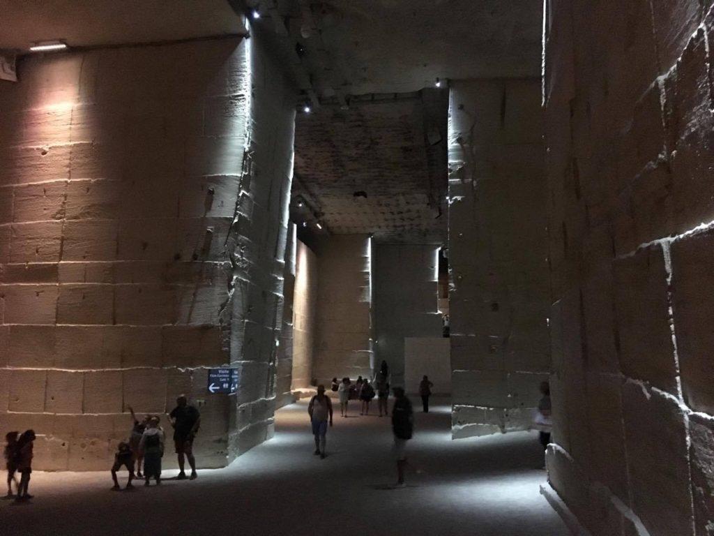 Les Baux-de-Provence- Carrières de Lumière(The Quarries)9